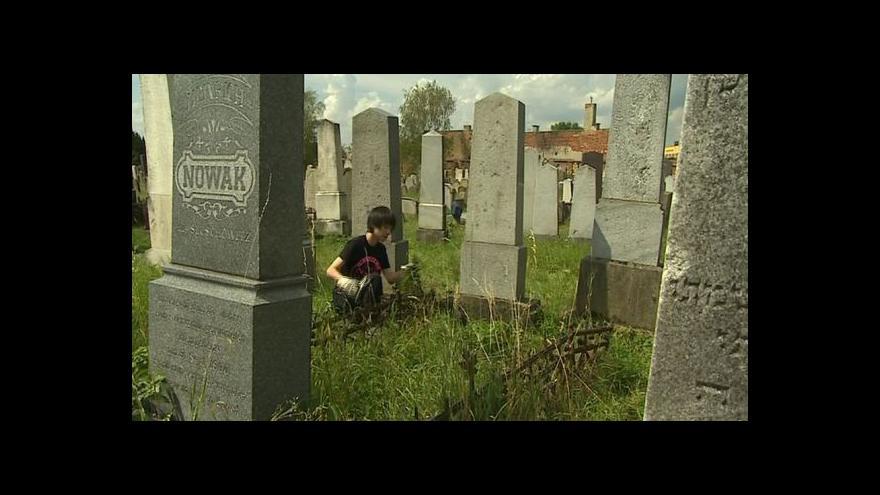Video NO COMMENT: Osm dobrovolníků ze všech koutů světa se sjelo do Holešova