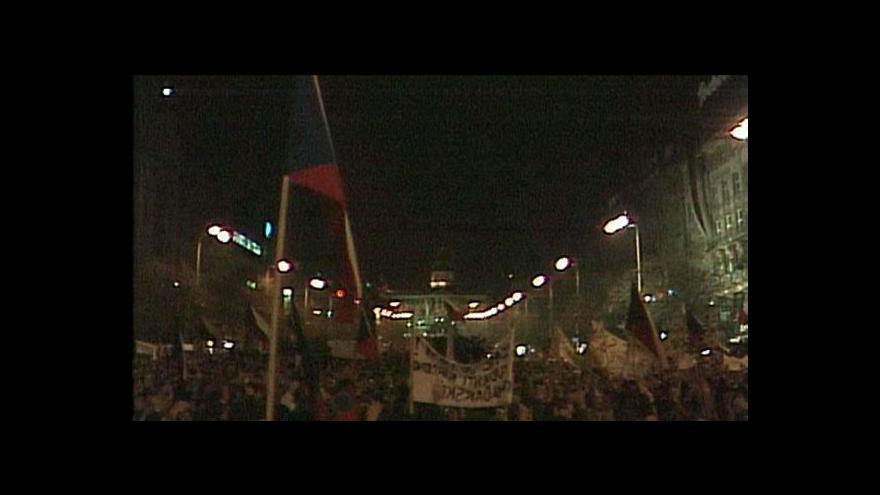 Video Tim Robbins bude točit Václavské náměstí 1989