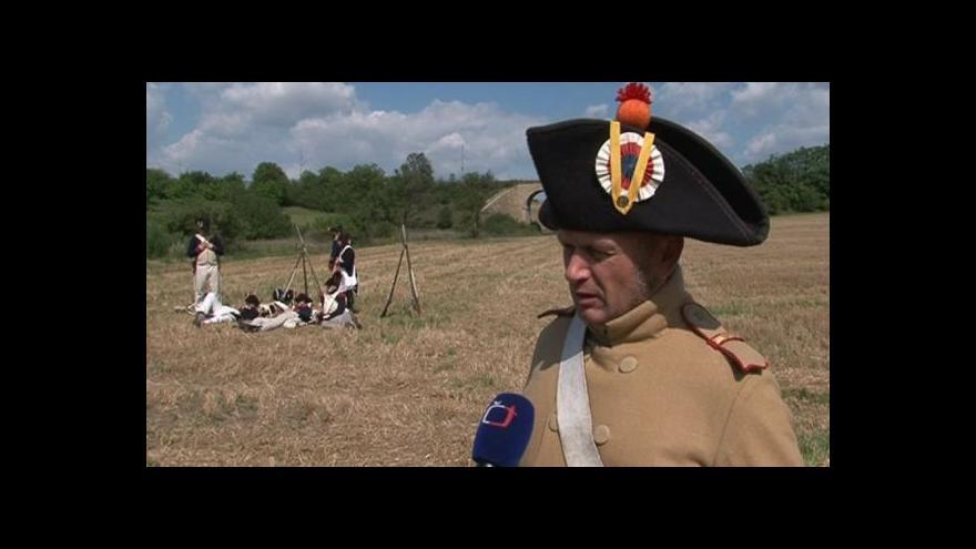 Video Poručík císařské armády René Ragas hovoří o uniformách