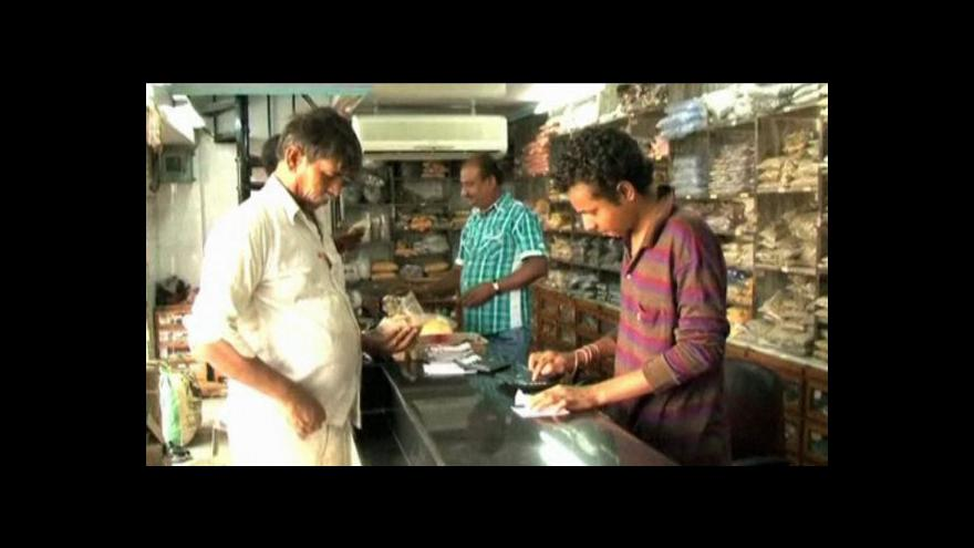 Video Indičtí obchodníci spoléhají na astroekonomii