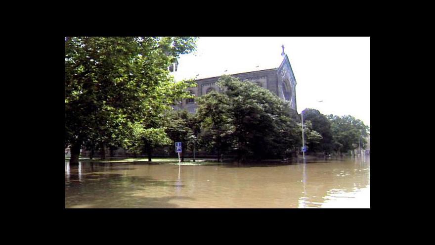 Video Rozvodněná Vltava způsobila v Praze velké škody