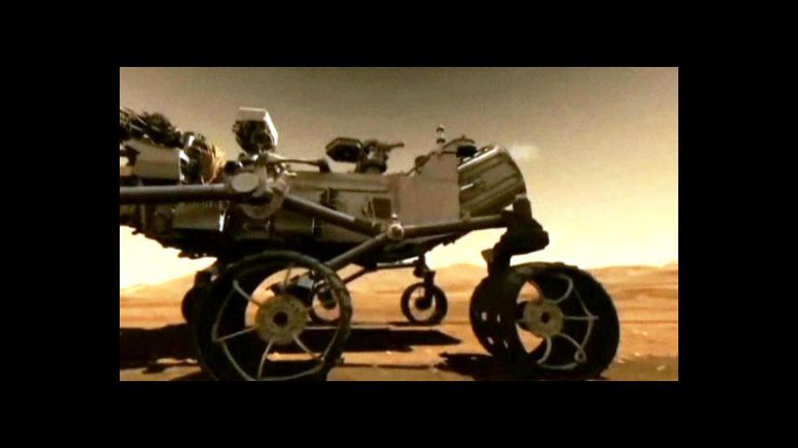 Video Curiosity bude na Marsu hledat život