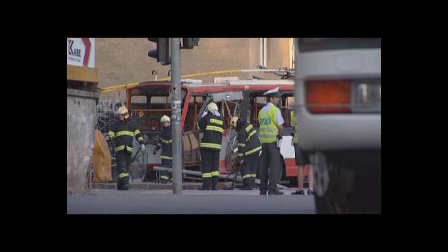 Video NO COMMENT: Nehoda tramvaje a trolejbusu v Brně