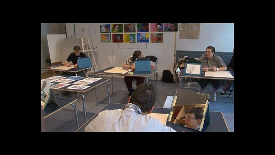 Video NO COMMENT: Výtvarný workshop pro mentálně postižené