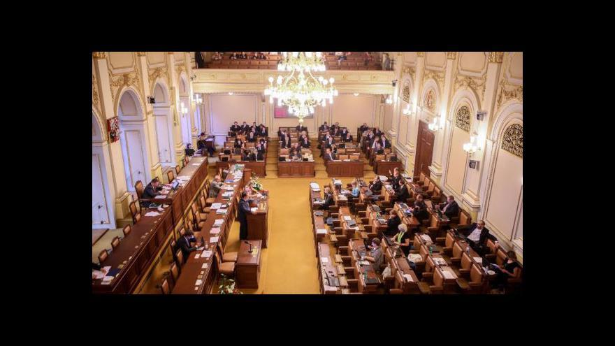 Video Hlasování o nedůvěře vládě tématem Událostí, komentářů