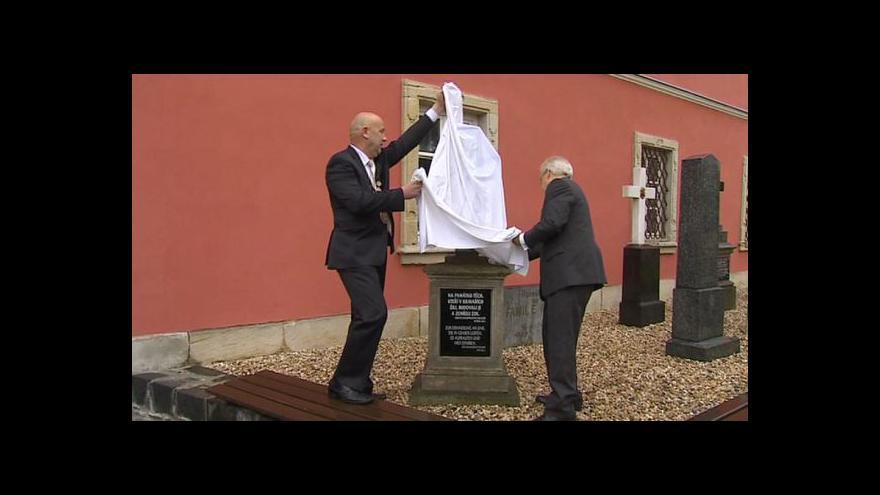 Video Opravené hroby v Kravařích