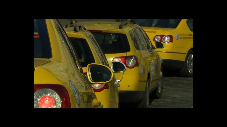 Video Taxikáři musí mít zkoušku z pražského místopisu