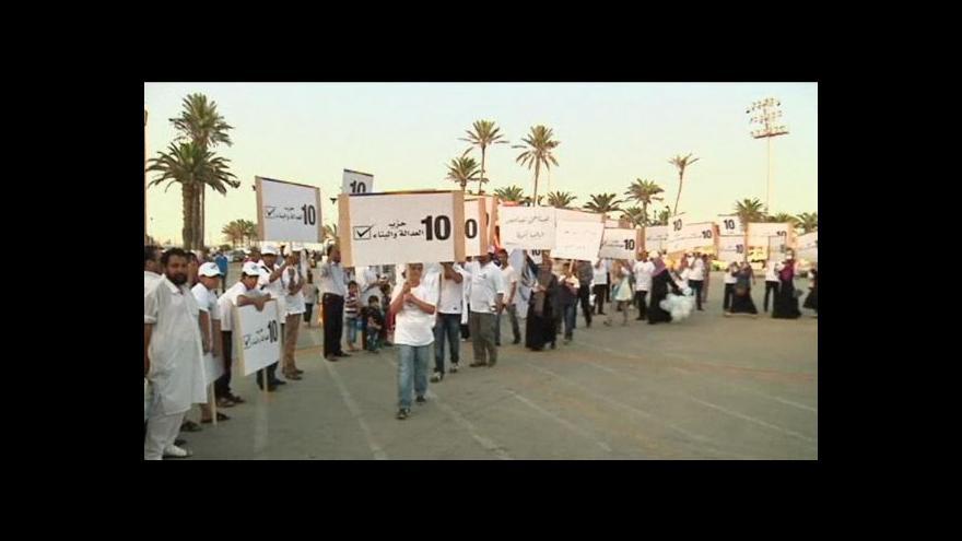 Video Libyjci jdou ke svobodným volbám