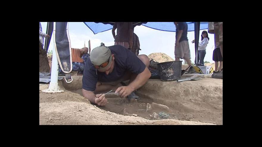 Video Co skrývají hroby z doby bronzové?