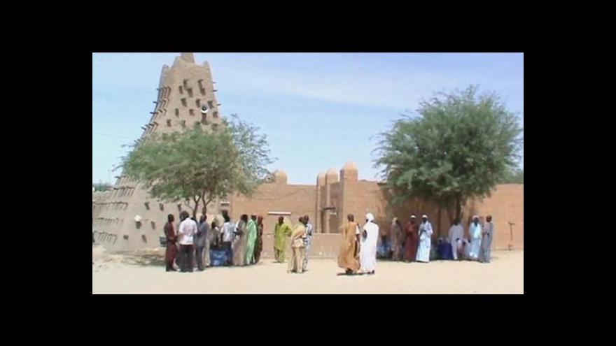 Video Radikálové v Mali ničí památky