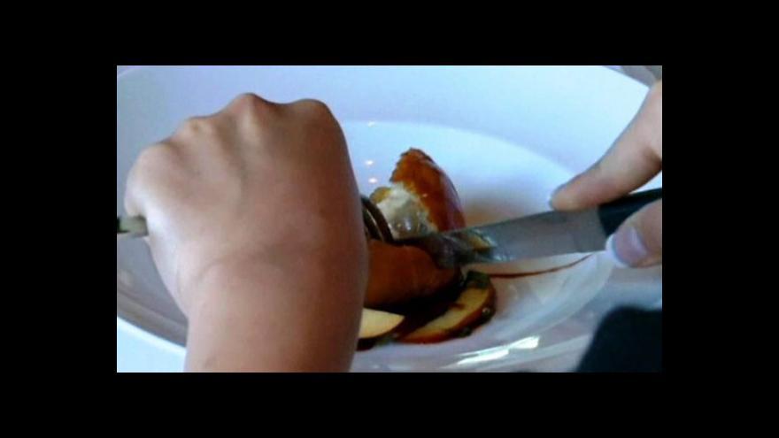 Video Zákaz konzumace kachních a husích jater