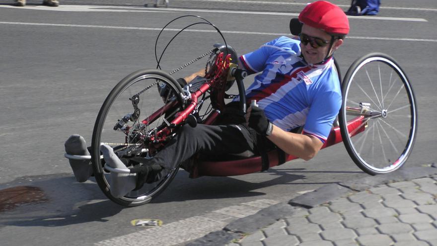 Video Tělesně postižení předvedli handbike