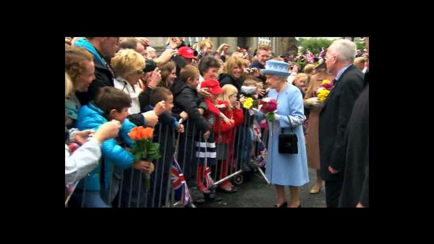 Video Návštěva Alžběty II. v Ulsteru má hlavně symbolický význam