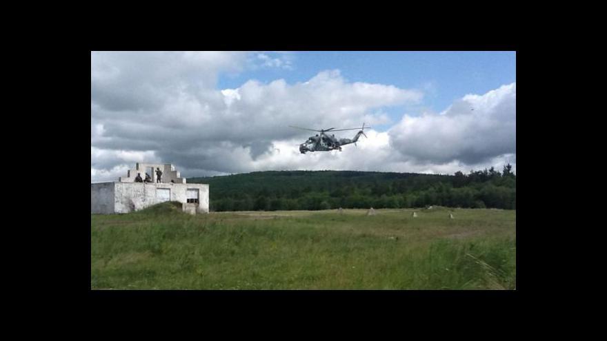 Video NO COMMENT: Cvičení vojáků na misi v Afghánistánu