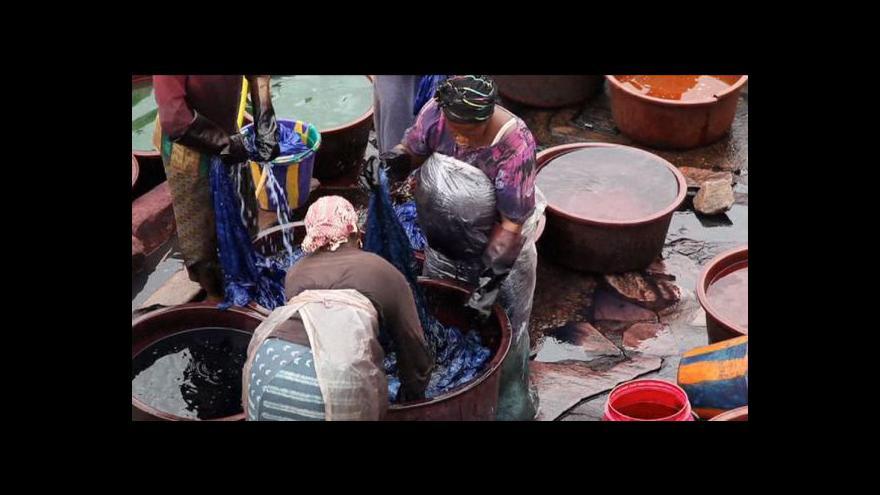 Video Barvení látek v Mali