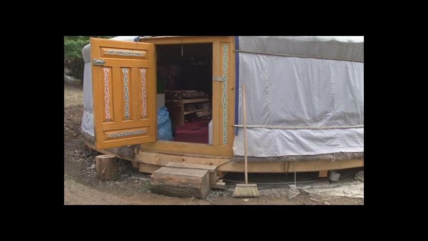 Video Jak se žije v Brně v jurtě?