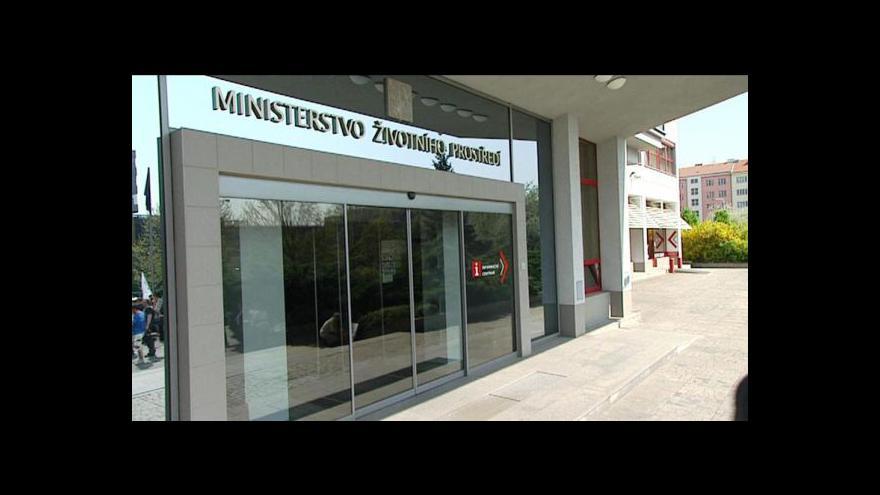 Video MŽP chce přepracování dokumentace plánovaného jezu v Děčíně