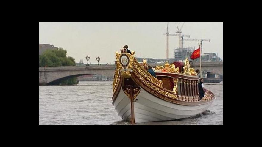 Video Oslavy na počest královny