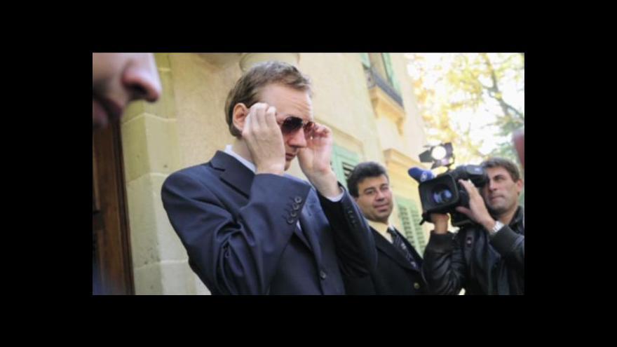 Video Soud odsouhlasil vydání Assange