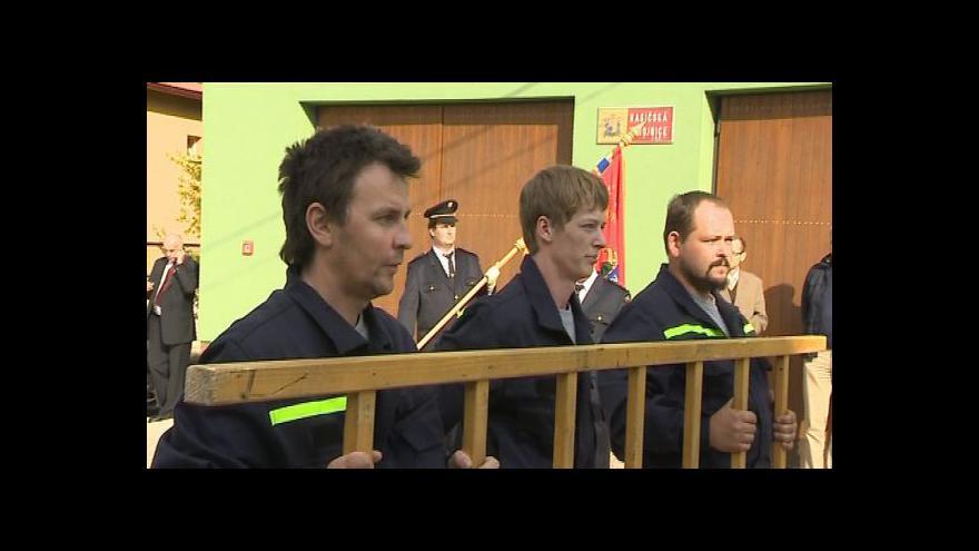 Video Komisaři navštívili Komňu