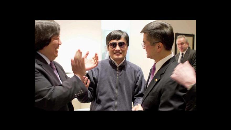 Video Čínský disident dorazil do USA