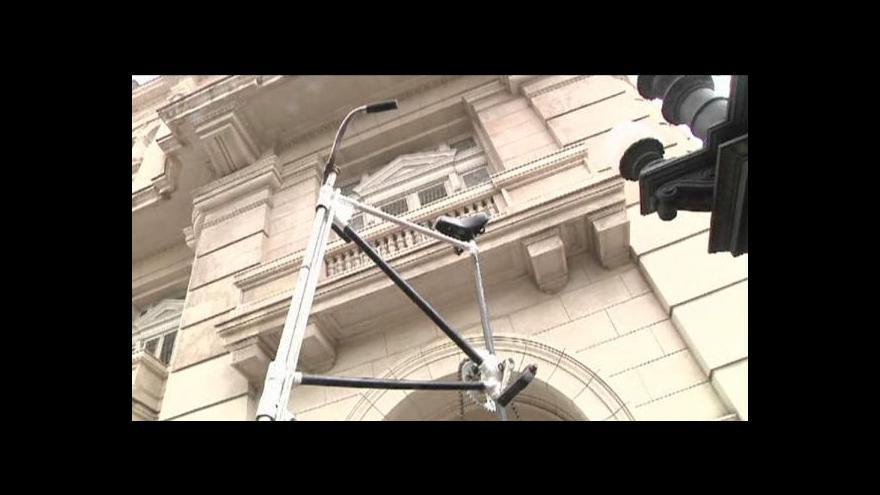 Video Kubánec vymyslel obří kolo