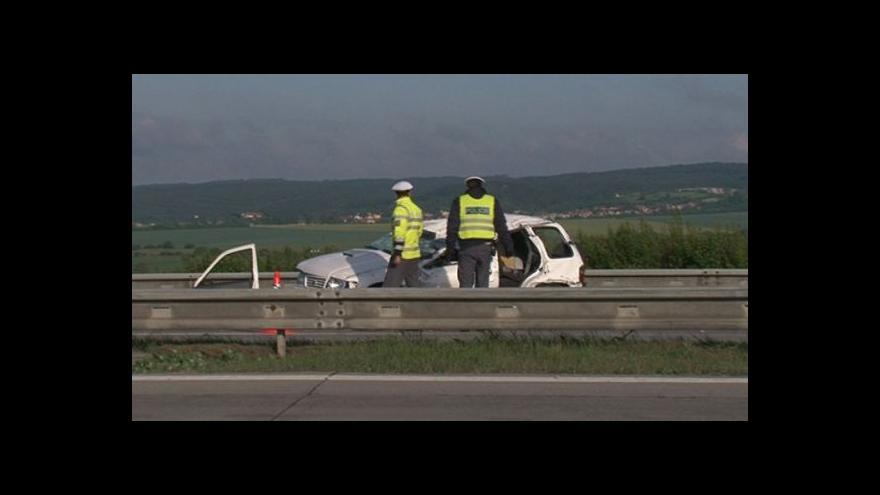 Video NO COMMENT: Tragická nehoda na 221. kilometru D1