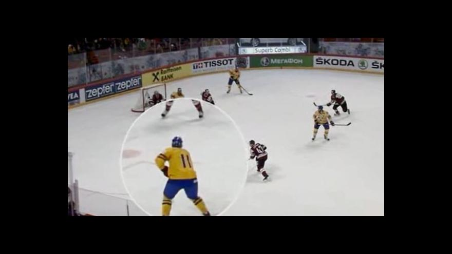 Video Úspěšná přesilovka Švédů