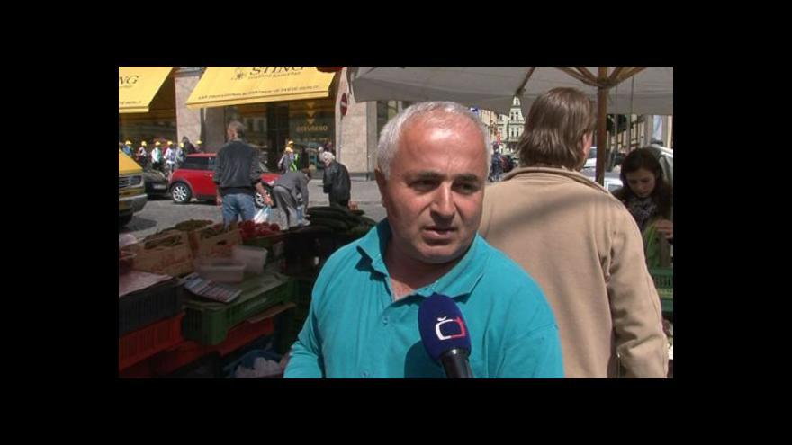Video Anketa s prodavači ovoce a zeleniny na Zelném trhu v Brně