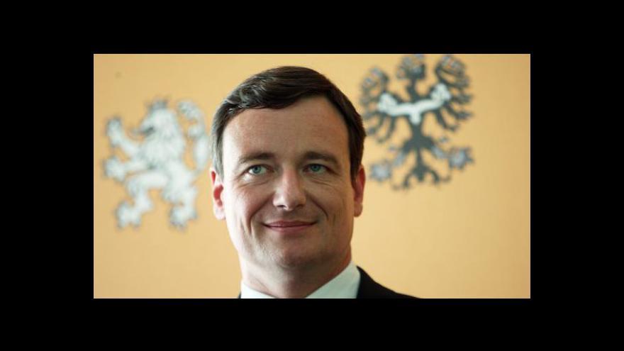 Video Polední zpravodajský blok ČT24 o kauze Davida Ratha