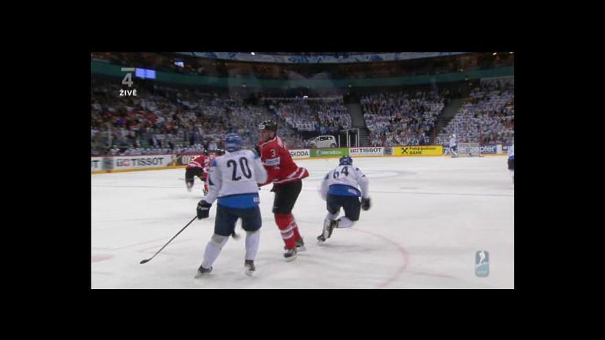 Video Chyba rozhodčích a gól Finů v přesilovce