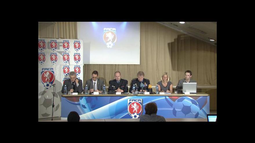 Video Brífink FAČR o fanoušcích na Euru 2012