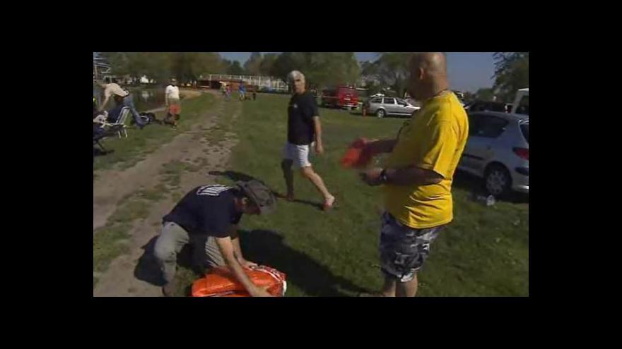 Video NO COMMENT: Potápěči čistili dno Velké laguny