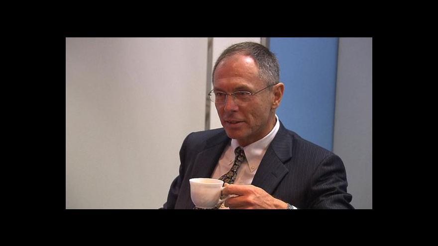 Video Švejnar svou kandidaturu stále zvažuje