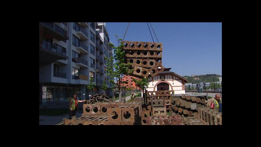 Video No comment: Prague Marina