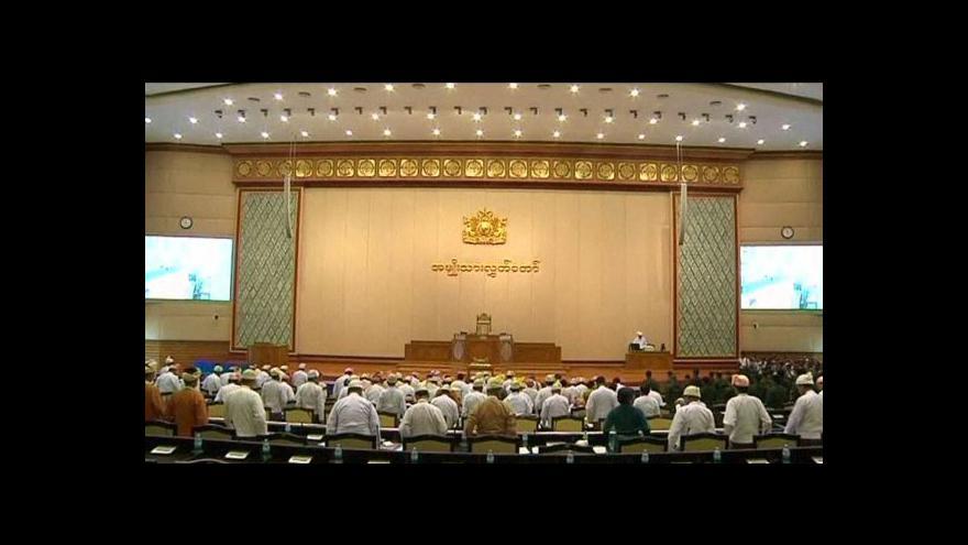 Video Su Ťij ukončila bojkot parlamentu