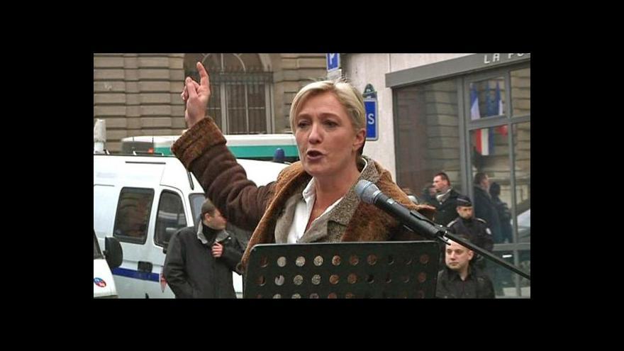 Video Do volební urny hodí Le Penová prázdný lístek
