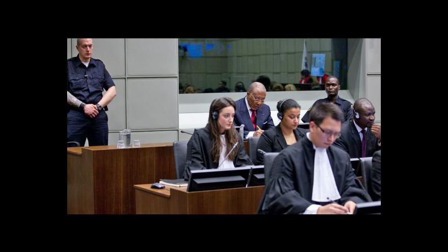 Video Události k soudu s Charlesem Taylorem