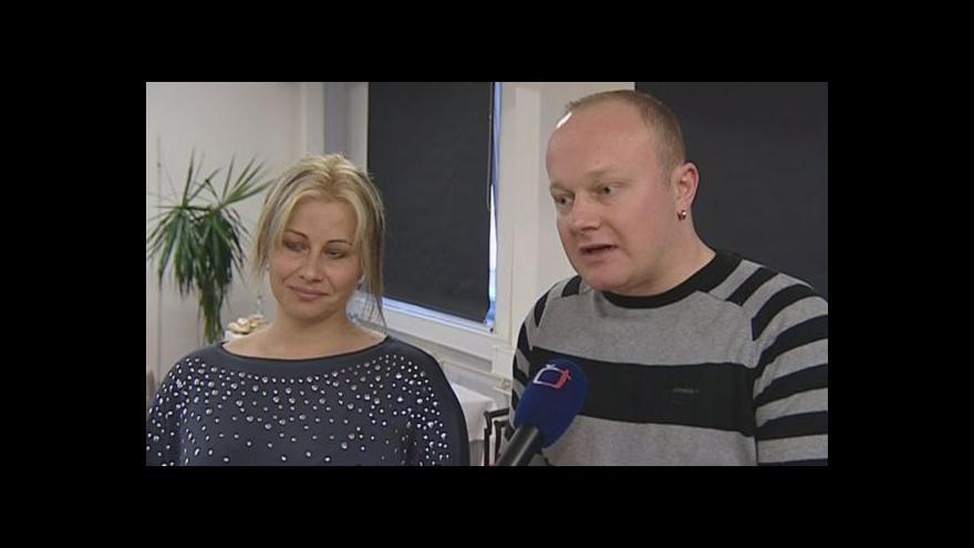 Video Jan a Jana Jakešovi o tom, proč se rozhodli pro odebrání pupečníkové krve