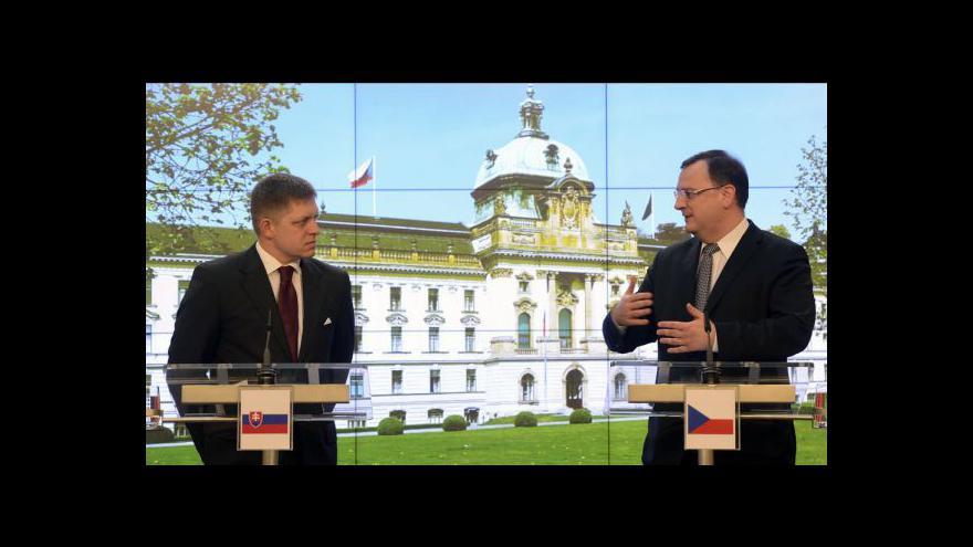 Video Tisková konference Roberta Fica a Petra Nečase