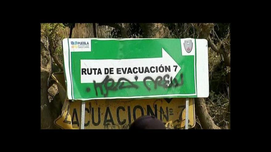 Video Popocatépetl opět soptí