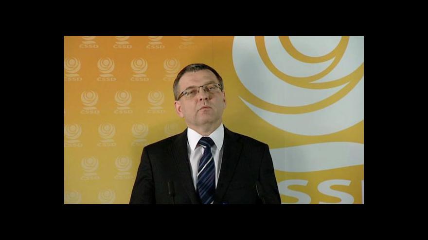 Video Brífink ČSSD k vládní krizi