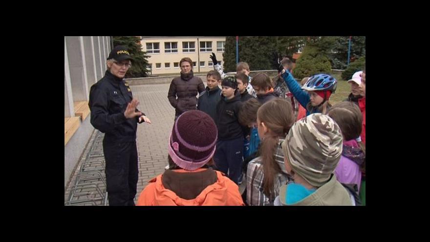 Video Policisté v Kuřimi zaškolili malé cyklisty