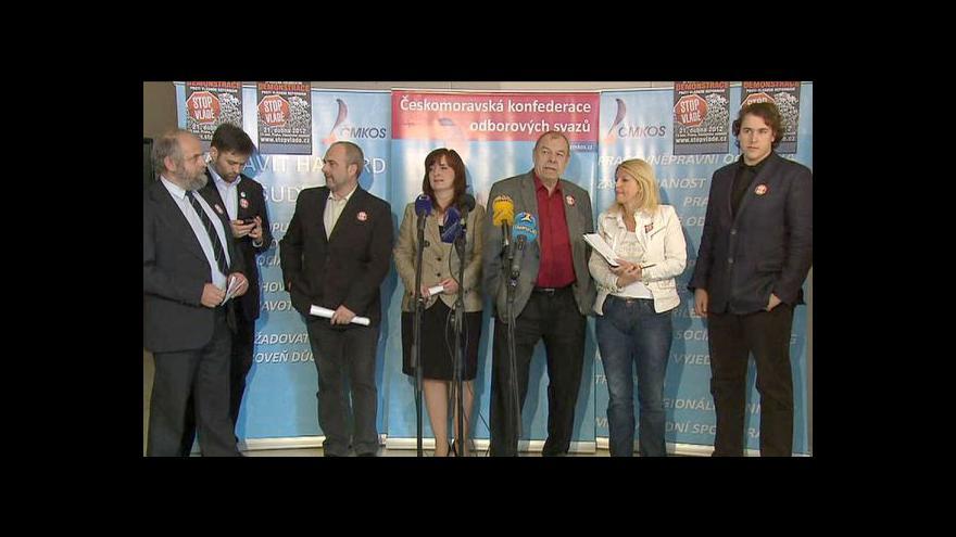 Video Brífink odborů a občanských iniciativ k chystaným protestům