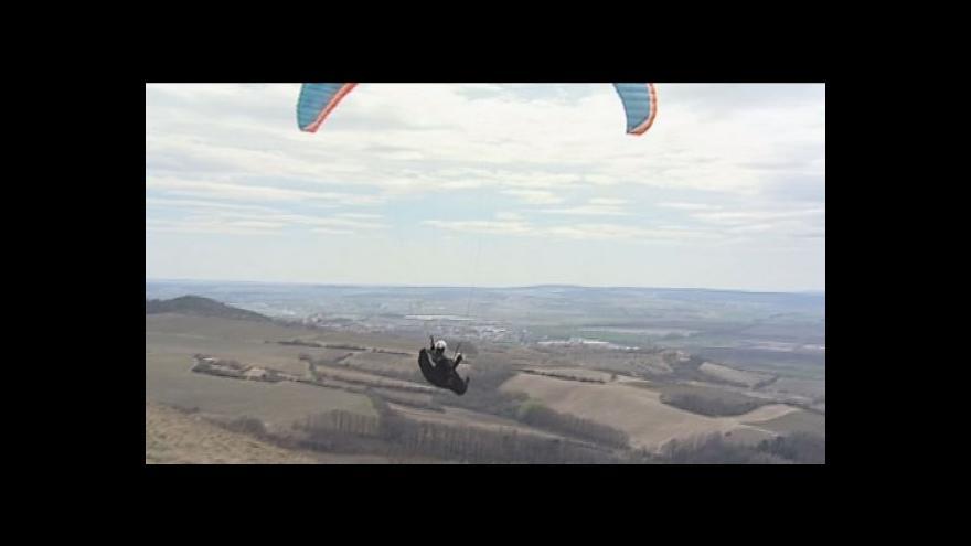 Video No comment: Záběry z paraglidingu
