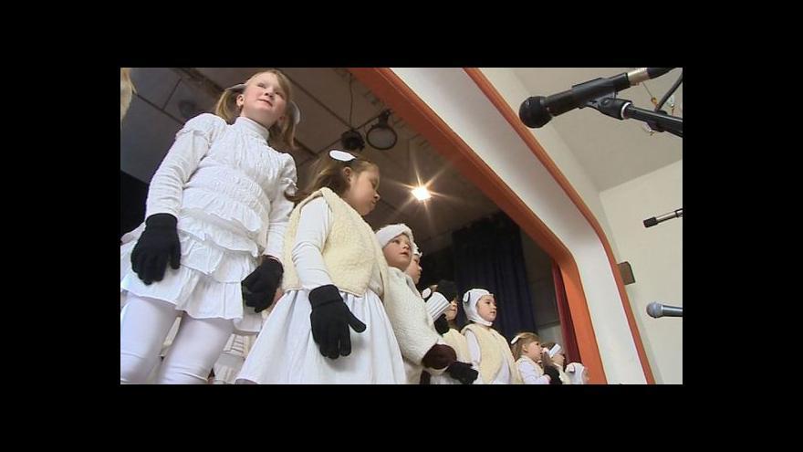 Video NO COMMENT: Velikonoce v Hrubé Vrbce začaly muzikálem