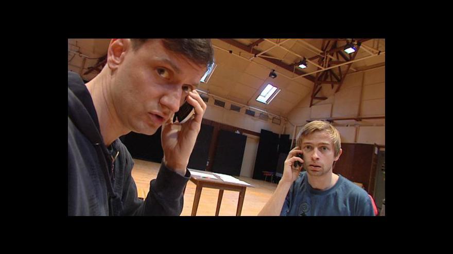 Video Ukázka z politického kabaretu Blonďatá bestie vrací úder