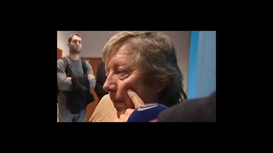 Video 14.4.2011:Otec sražené holčičky k jejímu vážnému zdravotnímu stavu