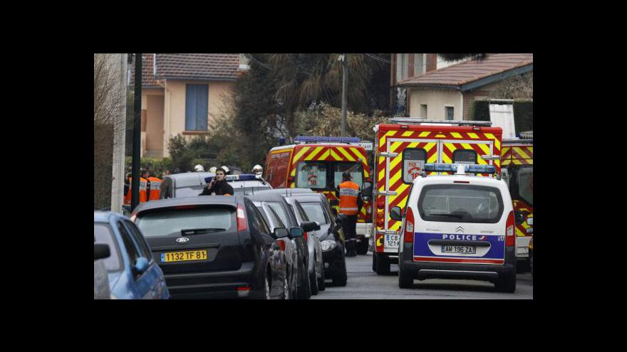 Video Útočníka z Toulouse obklíčila policie