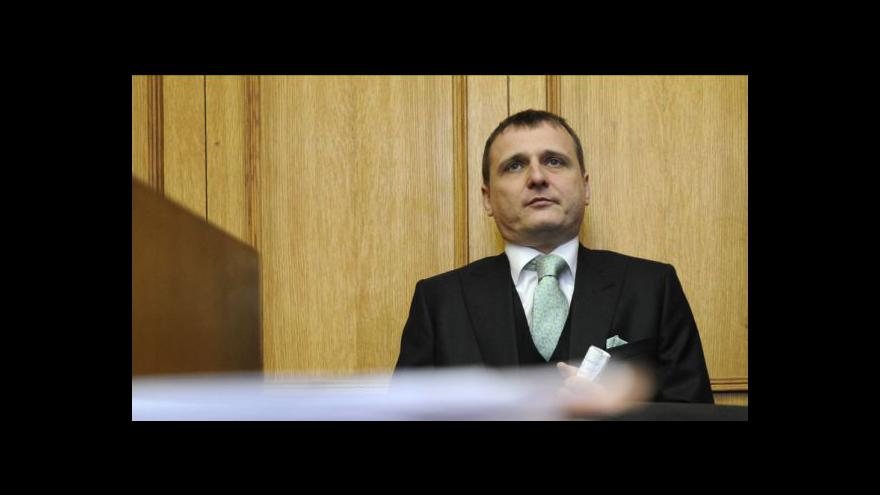 Video Středeční dění u soudu a vstup Jany Čermákové